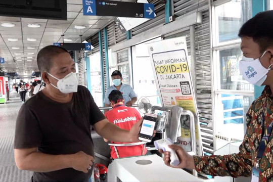 Masyarakat apresiasi aturan naik Transjakarta wajib vaksin