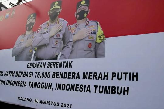 Polresta Malang Kota bagikan 1.000 bendera Merah Putih