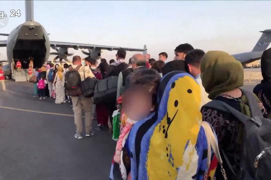 Tenggat waktu kian dekat, evakuasi terus berlangsung di Afghanistan