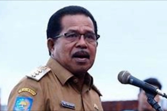 Bupati SBB Maluku meninggal positif covid-19