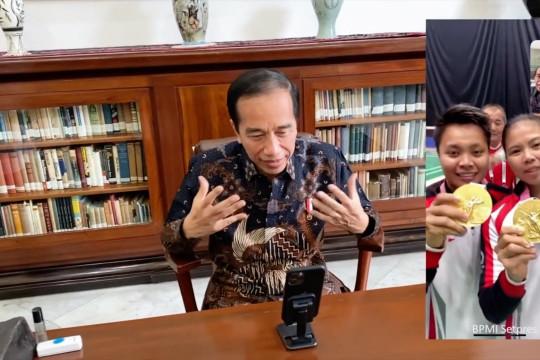 Greys/Apri terima video call dari Presiden Jokowi