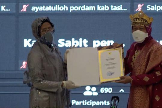 Mensos Risma beri penghargaan ke pilar sosial pahlawan COVID-19