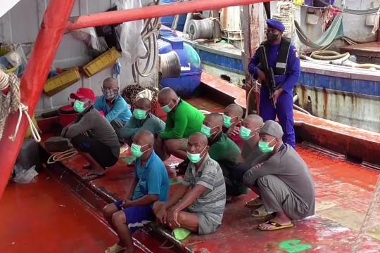 Baharkam tangkap 4 kapal Vietnam di Natuna
