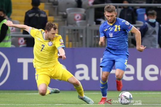 Ukraina ditahan imbang Kazakhstan dalam laga diwarnai dua gol larut