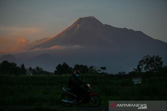 Gunung Merapi mengalami 239 kali gempa guguran