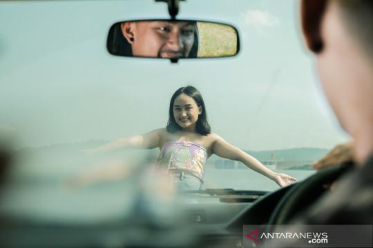 """Mariani Oelong rilis video musik """"Bercumbu"""""""