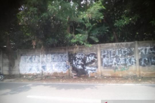 Kemarin, usut penyerangan pos koramil hingga mural Jokowi