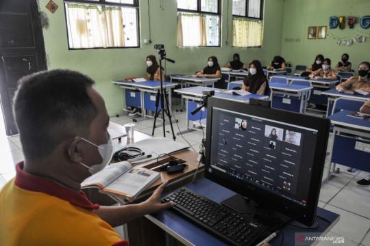 Pembelajaran tatap muka digelar di 66 SMP di Bekasi