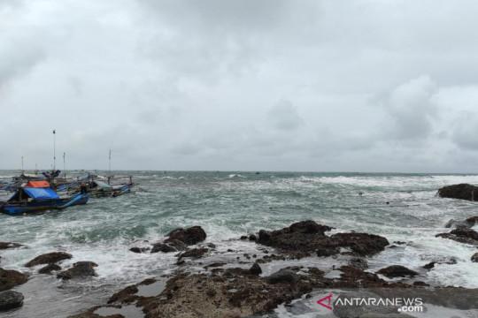Gelombang hingga 6 meter di Samudra Hindia barat Aceh-Kepulauan Nias
