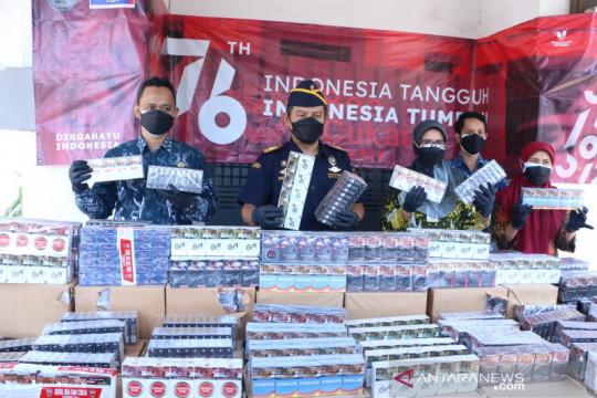 Bea Cukai Gresik gerebek gudang rokok ilegal di Lamongan