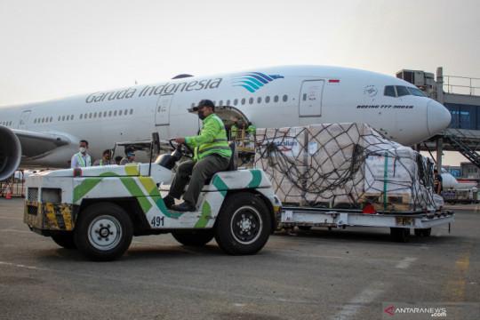 Lima ratus ribu dosis vaksin COVID-19 AstraZeneca tiba di Bandara Soetta