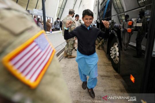 Sekitar 1.400 pengungsi dari Afghanistan berada di pangkalan Qatar
