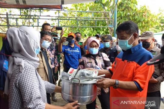 Gubernur Sulteng bantu logistik bagi warga terdampak banjir Rogo-Sigi