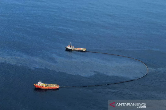 Kemarin, tumpahan minyak di Aceh hingga pengesahan RAPBN 2022