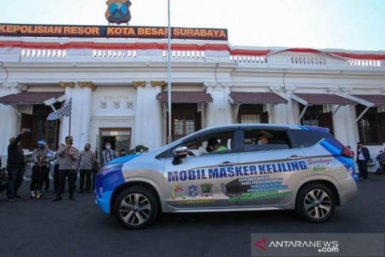 Polrestabes Surabaya mengerahkan mobil masker keliling