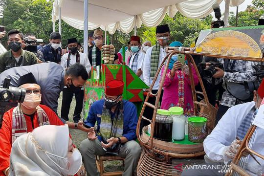 Usaha makanan dan minuman penyelamat ekonomi Jakarta