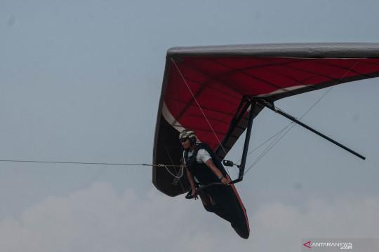 Aji Enoh dan tim gantole Banten terbang ke Papua siap raih emas
