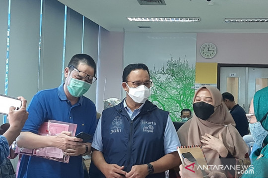 Gubernur DKI: vaksinasi nakes agar tidak ganggu pelayanan kesehatan