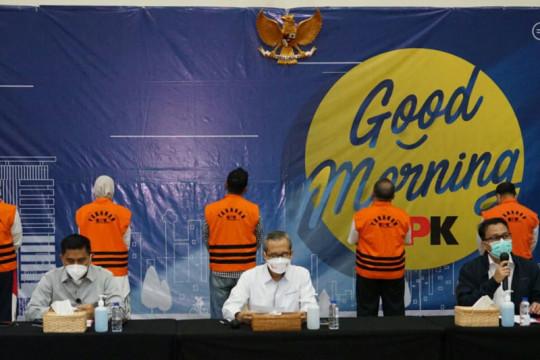 17 tersangka suap jabatan Pemkab Probolinggo diperiksa di Gedung KPK