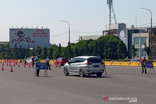 Ratusan kendaraan terjaring saat ganjil genap di GT Pasteur Bandung