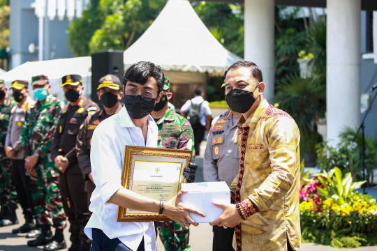635 relawan bantu penanganan COVID-19 meski Surabaya zona kuning