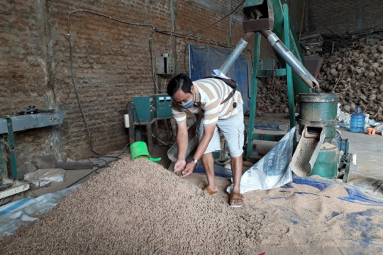 Menyulap limbah kayu jadi bahan bakar alternatif