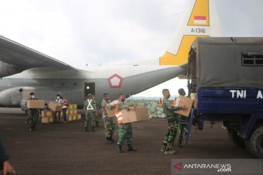 4.000 paket bantuan obat COVID- 19 disalurkan Panglima TNI di Belitung