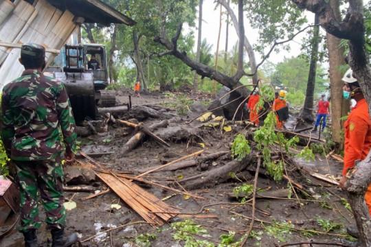 Pemprov NTT bantu logistik untuk korban banjir Ngada