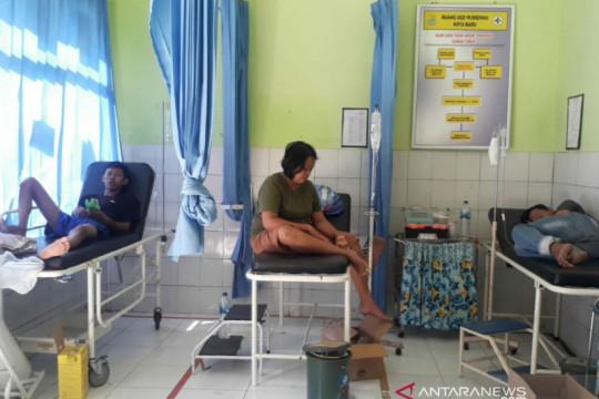 Polres Karawang memeriksa 13 orang dalam peristiwa keracunan