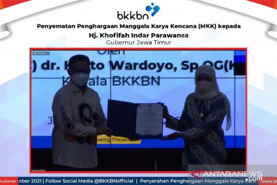 BKKBN beri Jatim Penghargaan Manggala Karya Kencana