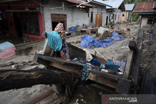 Pemkab Sigi kolaborasi para pihak pulihkan dampak banjir di Desa Rogo
