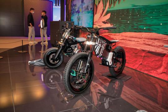 BMW Motorad hadirkan dua AMBY di Munich Motor Show