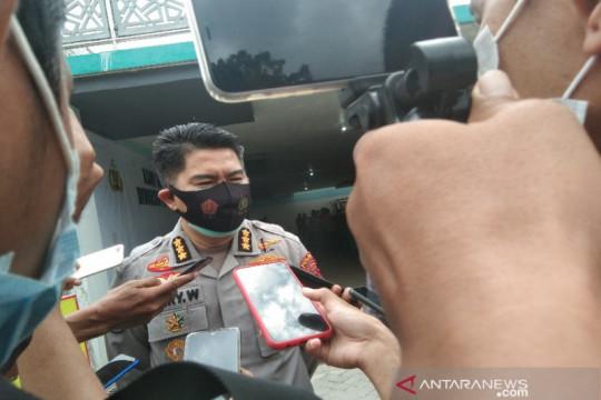 Polisi mengejar pelaku pengeroyokan seorang anggota Polda Sultra