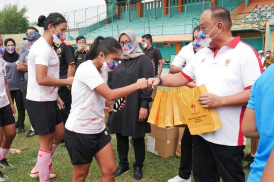 Ketua Umum KONI tinjau TC timnas sepak bola putri