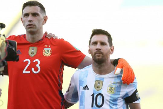 Klub-klub Liga Inggris dihukum jika pasang pemain Amerika Selatan