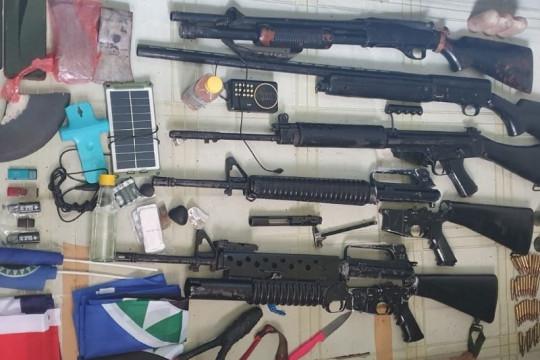 Personel Koramil Batom dan warga amankan KSB beserta lima senpi