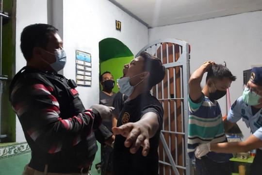 Kanwil Kemenkumham Jatim gencarkan penggeledahan blok hunian