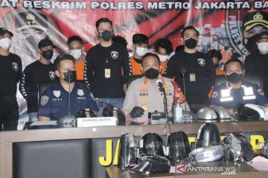 Polres Jakarta Barat bongkar sindikat pencurian kaca spion mobil