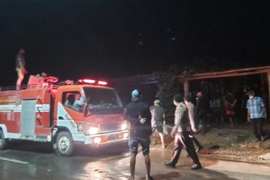 Warung dan rumah tinggal di Labuan Bajo NTT terbakar