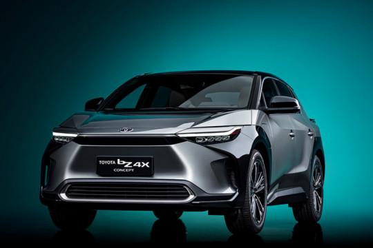 Toyota ingin lengkapi mobilnya dengan sistem pembangkit tenaga surya
