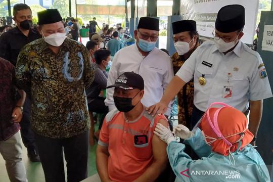 1.300 warga terima vaksin COVID-19 di Ponpes Minhaajurrosyodiin