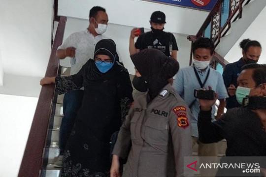 Istri mantan Gubernur Jambi dan Wabup Sarolangun penuhi panggilan KPK