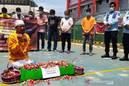 Warga binaan Rutan Salemba gelar tabur bunga dan doa bersama
