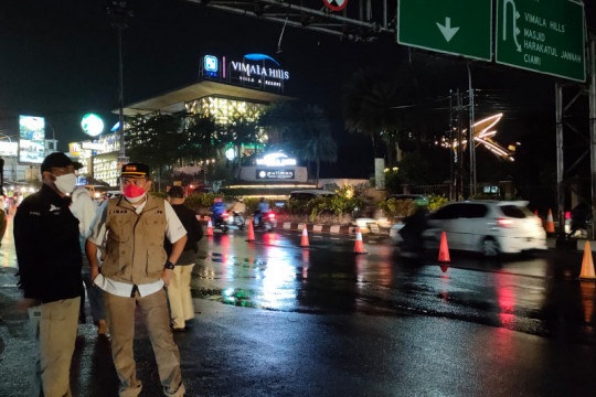Petugas putarbalikkan 600 kendaraan dari Puncak