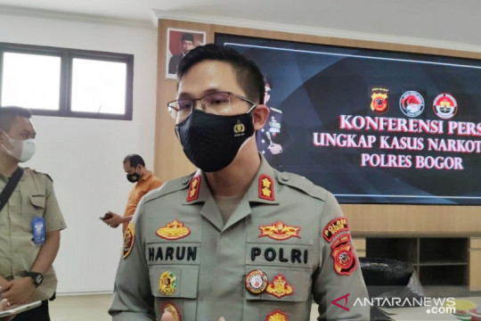 Polisi periksa plat hingga STNK penerapan ganjil-genap di jalur Puncak