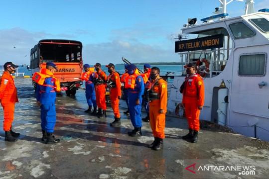 Tim SAR rencanakan evakuasi 5 ABK korban KM Hentri terbakar ke Tual