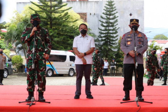 Berkontribusi majukan olahraga, Panglima TNI-Kapolri dapat penghargaan