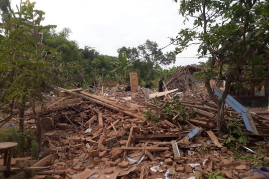 Tim Gegana sisir ledakan di Pasuruan
