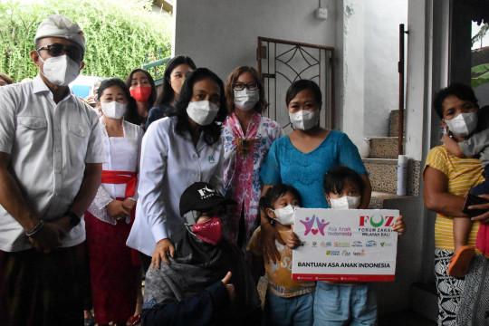 KPPPA salurkan bantuan bagi anak yatim piatu korban COVID-19 di Bali