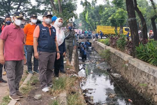 Pemkot Jakbar fokuskan penanganan banjir pada lima titik